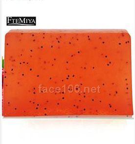 草莓滋润保湿水果口味手工皂代理