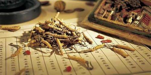 黛维依祛斑产品-草本植物萃取精华加盟